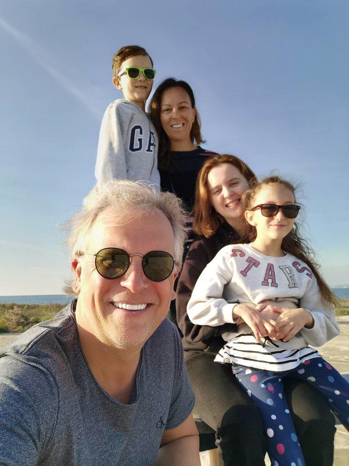 Su žmona ir vaikais.<br>Asmeninio archyvo nuotr.