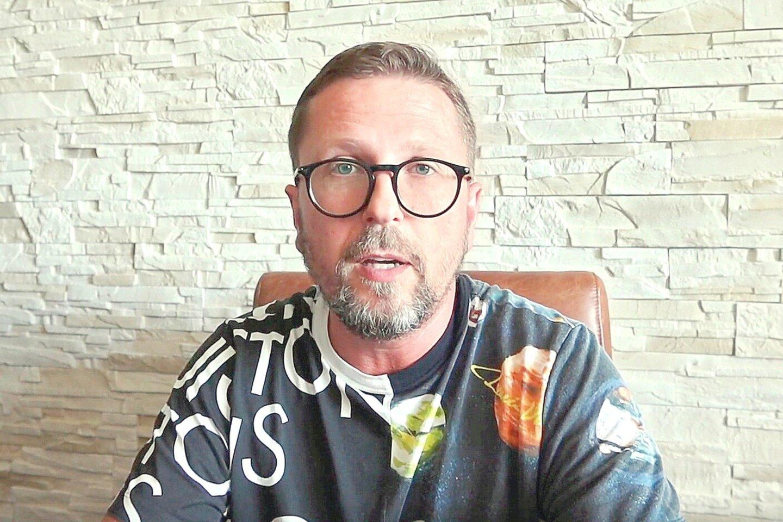 Ukrainos veikėjas A.Šarijus yra ne kartą viešai aiškinęs, jog yra persekiojamas už savo žurnalistinę veiklą.