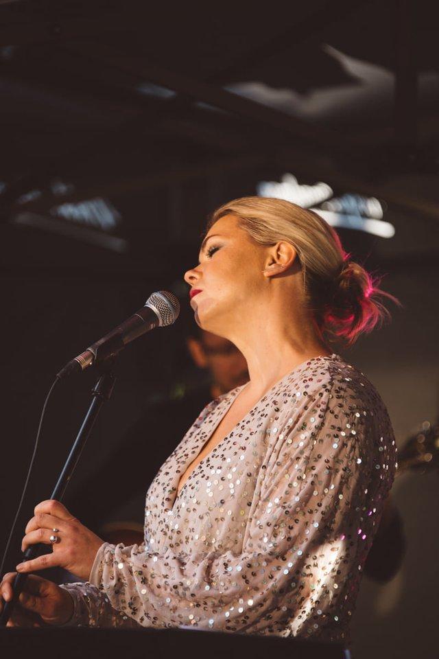 Vokalistė Eglė Vakarinaitė.<br>Organizatorių nuotr.