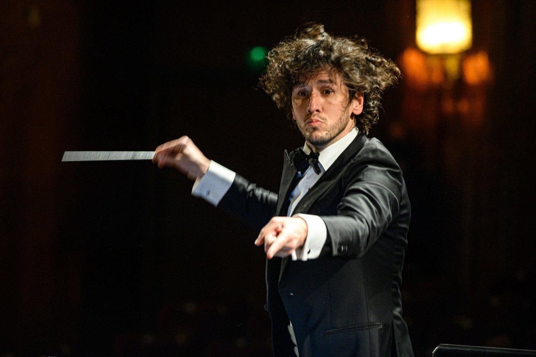 LNOBT vyriausias dirigentas Ričardas Šumila.<br>M.Aleksos nuotr.