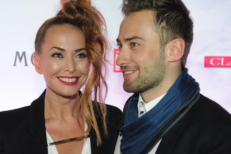 Anapilin išėjusi Žana Friske su vyru Dmitrijumi Šepeliovu.<br>Itarr/Tass/Sanpix nuotr.