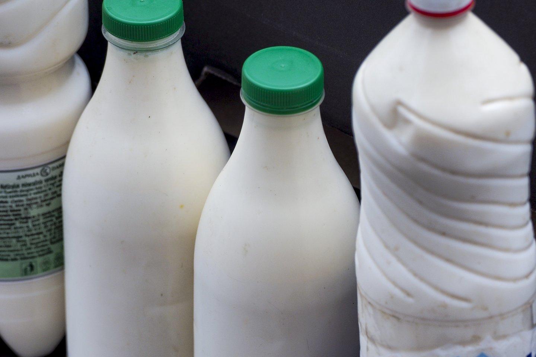 Pieno kainos seniai akylai stebimos. Norima, kad jos būtų regimos ir kitose maisto grandinėse.<br>V.Ščiavinsko nuotr.