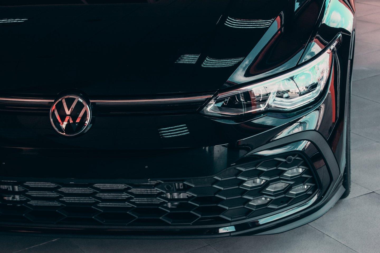 """Buvęs """"Volkswagen"""" vadovas Martinas Winterkornas sumokės automobilių gamintojai keliolika milijonų eurų sumą.<br>www.unsplash.com nuotr."""