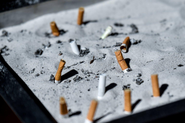 Kaip rodo tyrimai, pradedantieji rūkaliai pirmiausia renkasi tradicines cigaretes, o ne alternatyvas, kurios, pasak medikų, gali mažiau kenkti sveikatai.<br>V.Ščiavinsko nuotr.