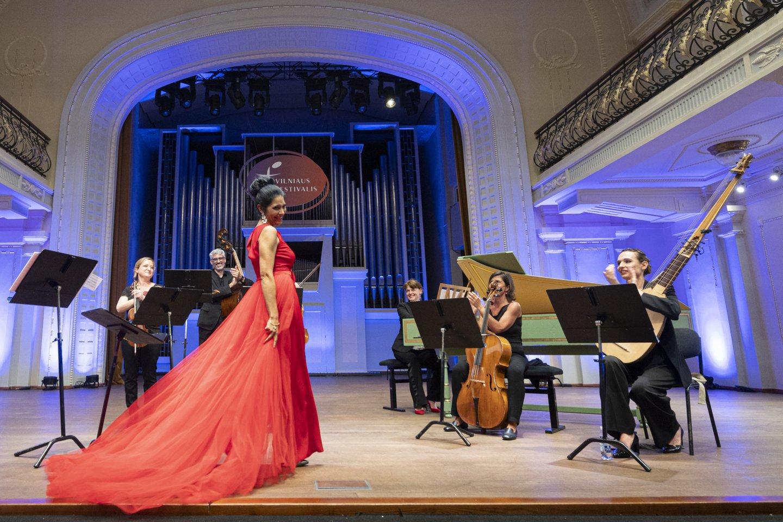 Dainininkė V.Genaux iš Jungtinių Valstijų po trejų metų pertraukos pakartojo savo triumfą Vilniaus festivalyje.<br>D.Matvejevo nuotr.