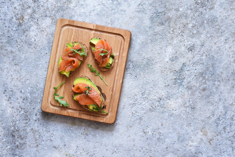 Kodėl į sveikos mitybos racioną būtina įtraukti riebios žuvies ir jūros gėrybių.