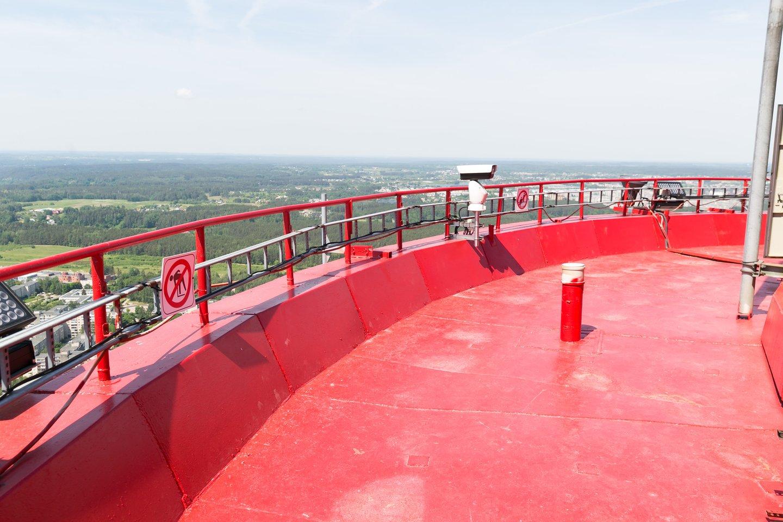 Pasak Ž.Berezojienės, Televizijos bokšto terasa lankytojams pirmą kartą atsivėrė praeitų metų gegužę.<br> T.Bauro nuotr.