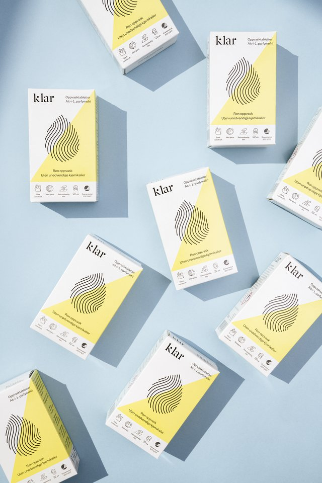 """Gamintojai siūlo išbandyti dvigubą """"Klar"""" priemonių naudą – turėsite ne tik švarius, bet ir kvepiančius namus."""