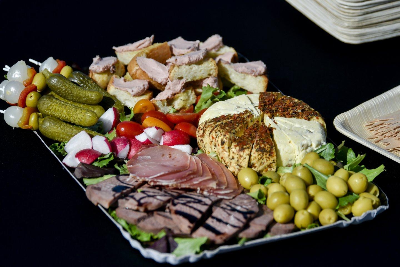 """""""Mėsos taško"""" įkūrėjas R.Liorančas gaminti visada mėgo, nuo pat vaikystės sukosi virtuvėje.<br>V.Ščiavinsko nuotr."""