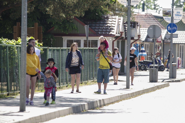 Gatvės stilius Šventojoje.<br>V.Ščiavinsko nuotr.