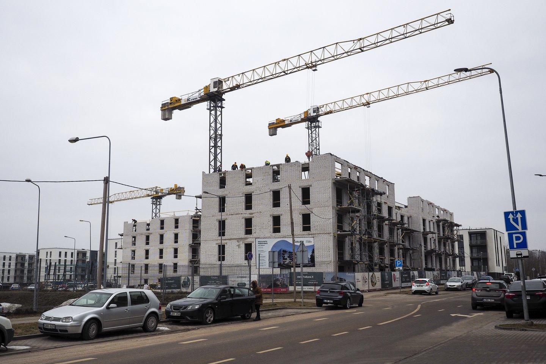 Šiandien butų ir biurų statybos vyksta visu pajėgumu, prekybos centrų projektų taip pat niekas nestabdo, ir kai kam toks veržlumas gali atrodyti neracionalus.<br>V.Ščiavinsko nuotr.
