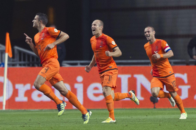 Nyderlandai jau užmiršę tokių pergalių skonį, kokį dovanodavo R.van Persie, A.Robbenas ir W.Sneijderis.<br>Reuters/Scanpix nuotr.