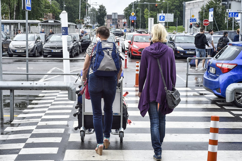Jei anglų kalbos žinios silpnesnės arba nemėgsta dirbti su žmonėmis, vyksta į Vokietiją ir Olandiją, kur dažniausiai dirba fabrikuose arba sandėliuose.<br>V.Ščiavinsko nuotr.