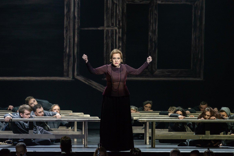 """Su jauduliu, ambicingai ir kartu su koliažine opera """"Mažvydas"""" į sceną sugrįžta pagrindinio vaidmens aktorius Vladas Bagdonas.<br>M.Aleksos nuotr."""
