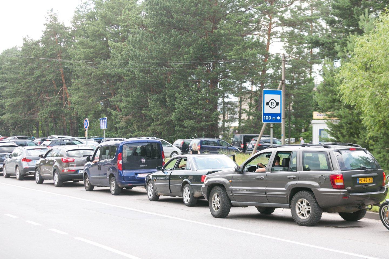 """Trečiadienį vidaus reikalų viceministras Vitalij Dmitrijev lankėsi VĮ """"Regitra"""" padaliniuose.<br>T.Bauro nuotr."""