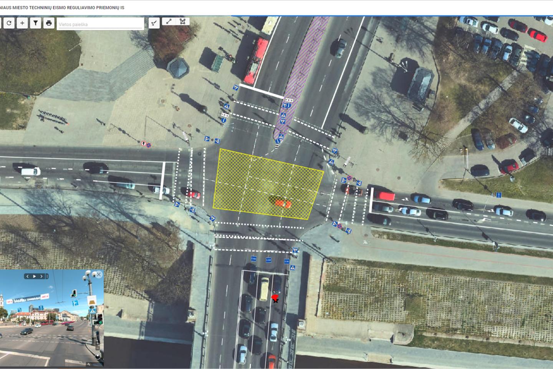 Po metų trukusių darbų Vilniaus savivaldybės darbuotojams sukurta aplikacija leidžia įvertinti visas mieste esančias eismo organizavimo priemones – nuo kelio ženklų iki lėtėjimo kalnelių.<br>www.madeinvilnius.lt nuotr.
