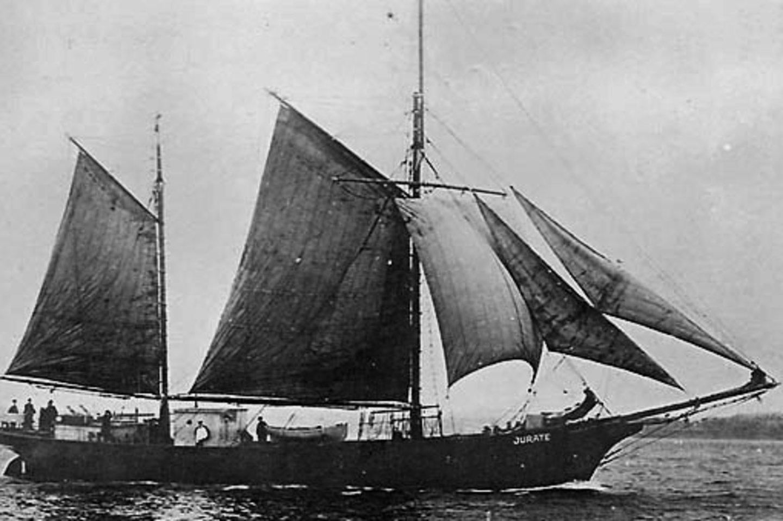"""""""Jūratė"""" – pirmasis lietuviškas prekybos laivas.<br>Iš LJM rinkinio."""