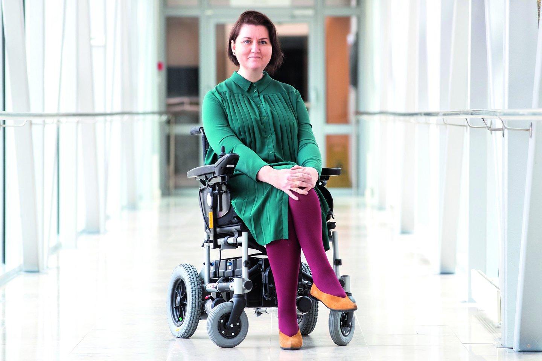 Neįgaliųjų vežimėlis nesutrukdė M.Ošmianskienei per atostogas aplankyti daug šalių.<br>Nuotr. iš asmeninio albumo