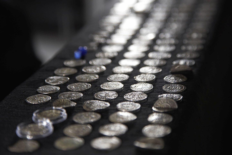 Tai pirmas kartas, kai Lenkijoje aptinkama tiek daug frankų laikų monetų.<br>Ostródos muziejaus nuotr.