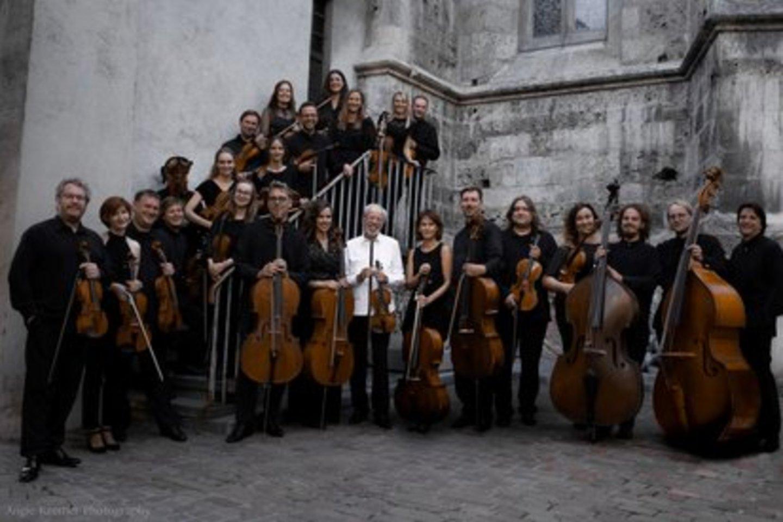 "Gidono Kremerio vadovaujamas orkestras ""Kremerata Baltica"".<br>A.Kremer nuotr."
