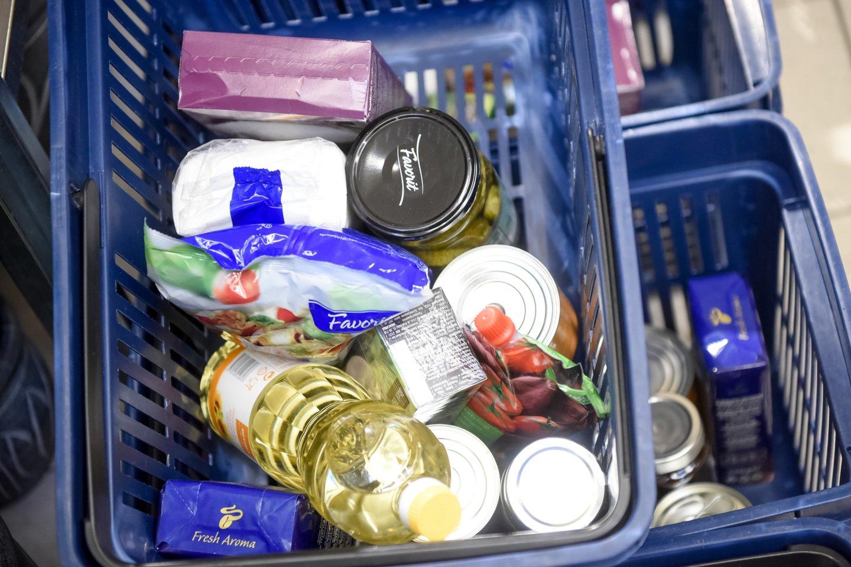Nepanaudoto maisto kiekis vienai parduotuvei mažėjo daugiau kaip 1,5 tonos.<br>D.Umbraso nuotr.