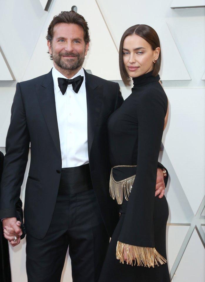 Bradley Cooperis ir Irina Shayk.<br>Apmas/Scanpix nuotr.