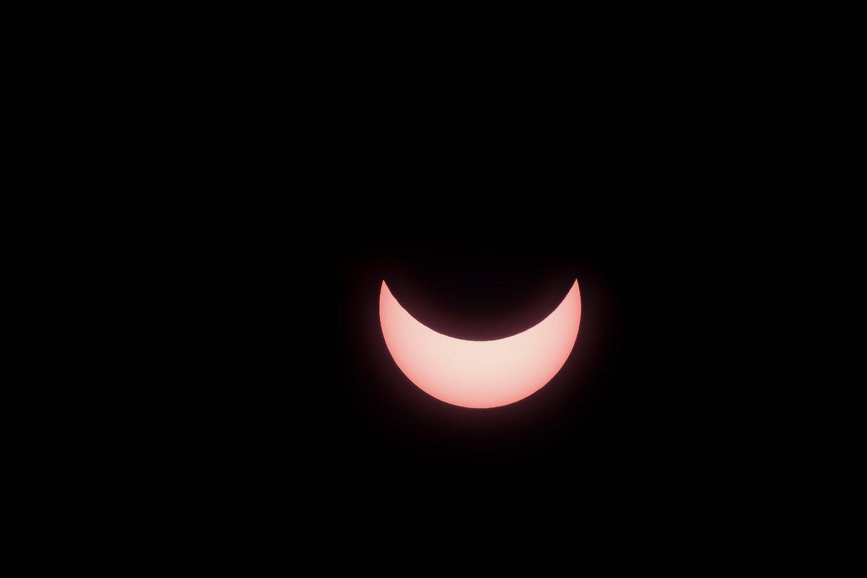 Proga pamatyti retą reiškinį: šiauriniame pusrutulyje bus galima stebėti dalinį Saulės užtemimą<br>D.Umbraso nuotr.