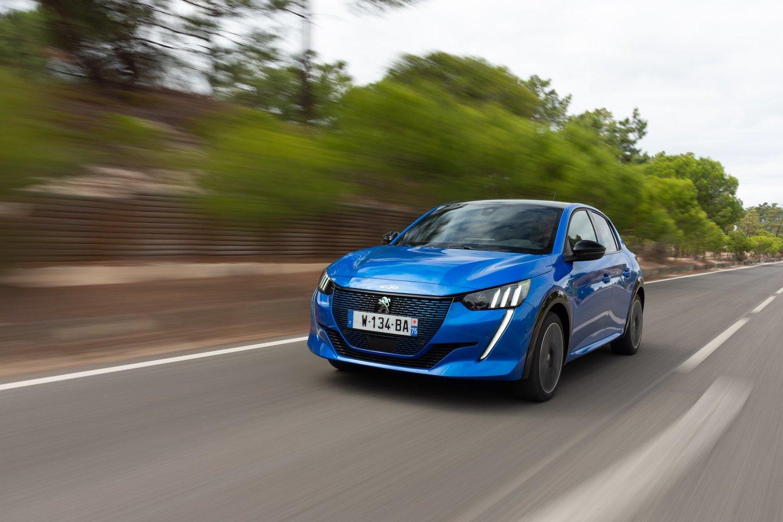 """Automobilių renginių kalendoriuje """"Ignitis On: Pažink Lietuvą!"""" elektromobilių varžybos išsiskiria tuo, kad kasmet sutraukia ne tik motorizuotos technikos entuziastus, bet ir naujų technologijų mėgėjus.<br>Pranešėjų spaudai nuotr."""