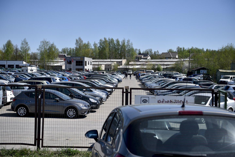 Aplinkos ministras Simonas Gentvilas papasakojo, kokį reikėtų pirkti automobilį ir kas laukia Lietuvos vairuotojų po kelerių metų.<br>V.Ščiavinsko nuotr.