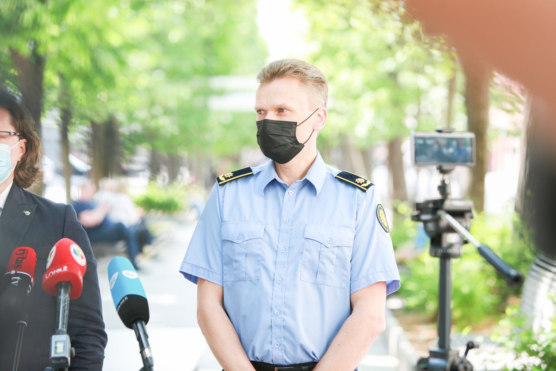 Po kratų Pravieniškių pataisos namuose buvo surengta spaudos konferencija, atskleisda daugiau detalių apie šioje įkalinimo įstaigoje dirbančių pareigūnų korupciją ir kitus galimus nusikaltimus.<br>G.Bitvinsko nuotr.
