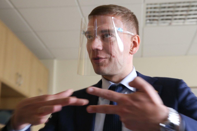 Seimo Darbo partijos frakcijos nario Mindaugo Puidoko kabinete ketvirtadienį atlikta krata.<br>R.Danisevičiaus nuotr.