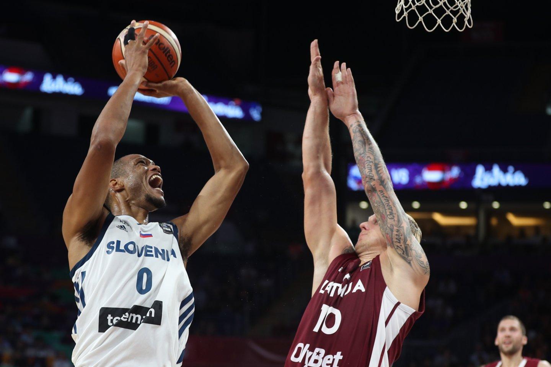 A.Randolphas tapo svarbiu žaidėju Slovėnijos rinktinėje.<br>AFP/Scanpix nuotr.