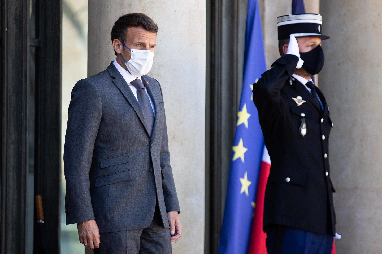 Antausį E. Macronui rėžęs vyras kalėjime praleis keturis mėnesius.<br>Imago images/Scanpix nuotr.