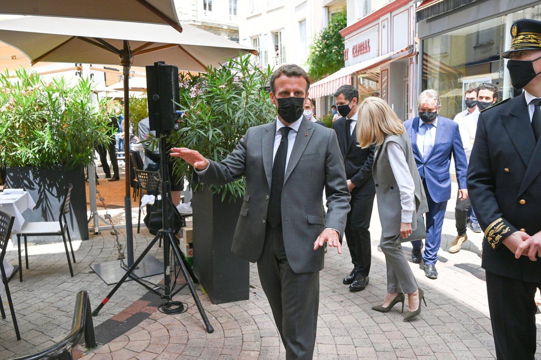 Antausį E. Macronui rėžęs vyras kalėjime praleis keturis mėnesius.<br>Reuters/Scanpix nuotr.