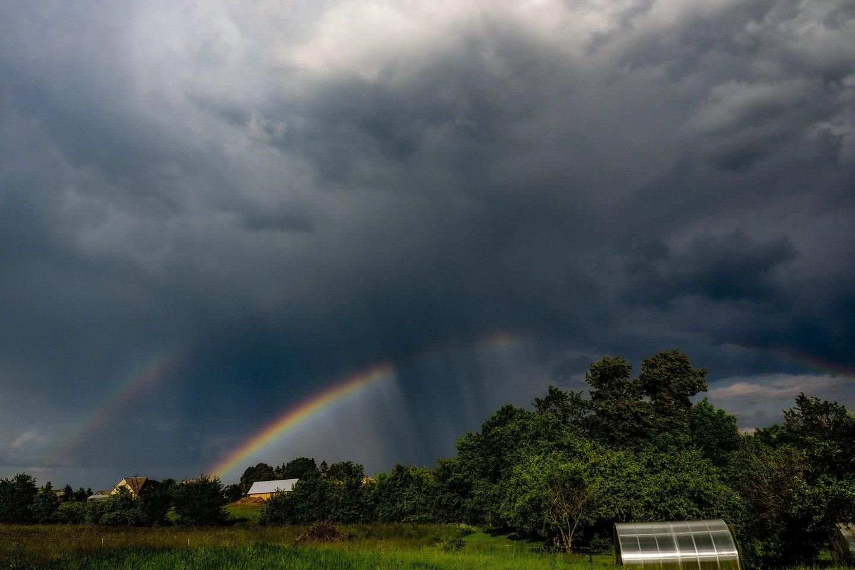 Orai: lietus mus lydės visą likusią savaitę.<br>V.Ščiavinsko nuotr.
