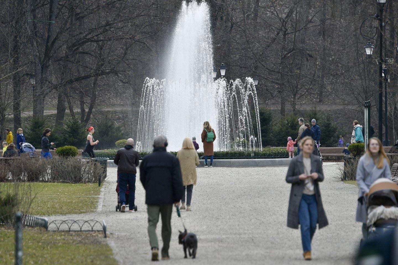 """Pavasario pradžioje didžiausia vandentvarkos bendrovė šalyje """"Vilniaus vandenys"""" paskelbė aukcione parduodanti dalį bendrovei priklausančių, Vilniaus senamiestyje, Bernardinų sode esančių pastatų.<br>V.Ščiavinsko nuotr."""