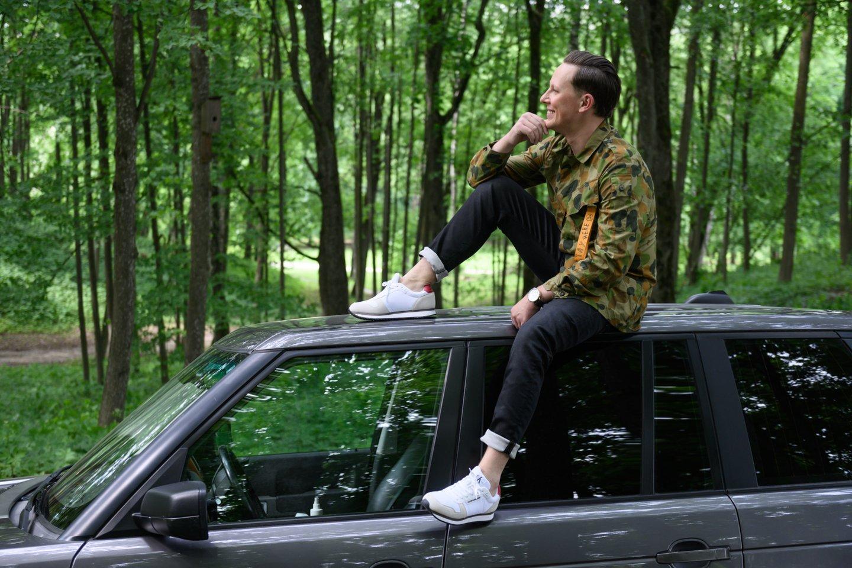 Martynui Levickiui, renkantis automobilius, svarbiausia yra estetika.<br>V.Skaraičio nuotr.