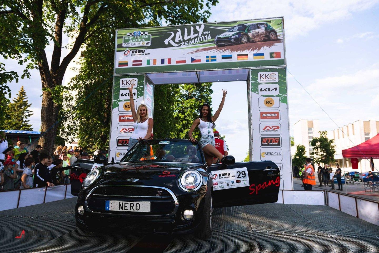 """Drauge su didžiuoju """"Rally Žemaitija 2021"""" trečiąjį sezoną pradėjo """"Damų Rally"""" lenktynių serialas.<br>Pranešėjų spaudai nuotr."""