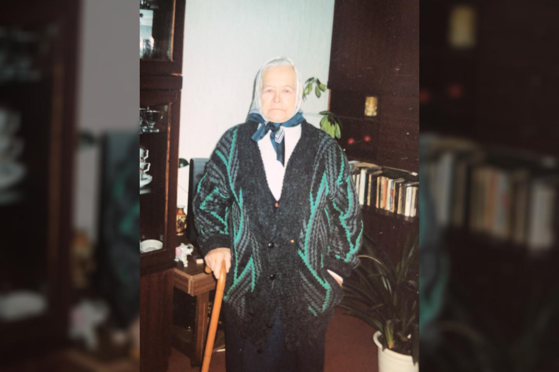 Šimtametė Janina Sakalauskienė sako niekam nejautusi pykčio nei pavydo.<br>Asmeninio archyvo nuotr.