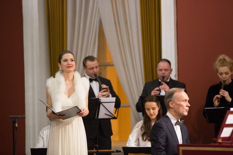 """Sopranas D.Kazonaitė koncertuos su """"Lietuvos"""" ansambliu."""