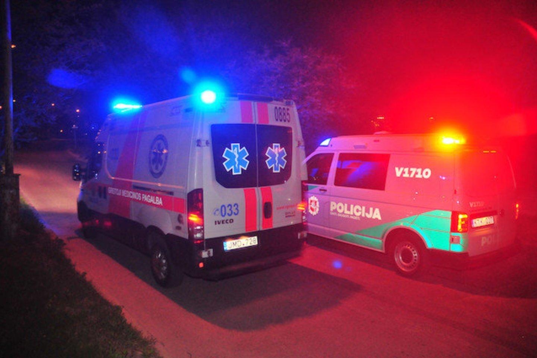 Šiauliuose sumuštas jaunuolis dėl lūžusio žandikaulio pervežtas į Kauno klinikas.<br>A.Vaitkevičiaus asociatyvioji nuotr.