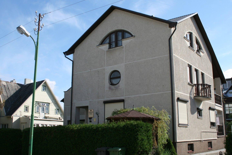 Legendinio dainininko Stasio Povilaičio statytame name Palangoje netrukus gali atsirasti kiti šeimininkai.<br>E. Kazlaučiūnaitės nuotr.
