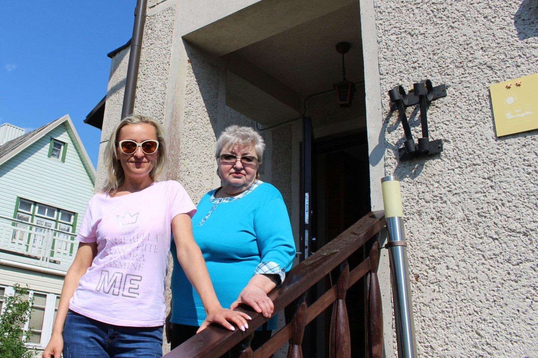 Parduoti šį namą Palangoje B.Povilaitienė nusprendė kartu su dukra Agne.<br>E. Kazlaučiūnaitės nuotr.