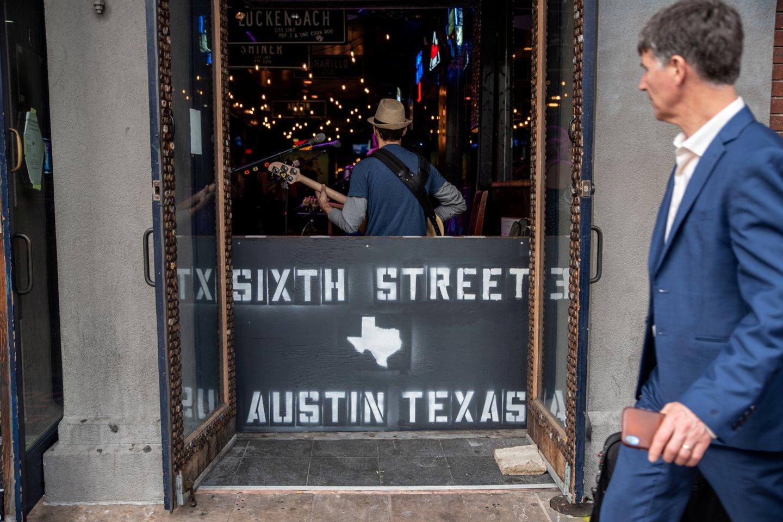 Šaudynių scena Ostine JAV Teksaso valstijoje.<br>REUTERS/Scanpix nuotr.