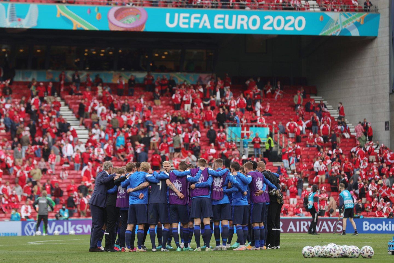 Danijos ir Suomijos rungtynes buvo nuspręsta pratęsti.<br>AFP/Scanpix nuotr.