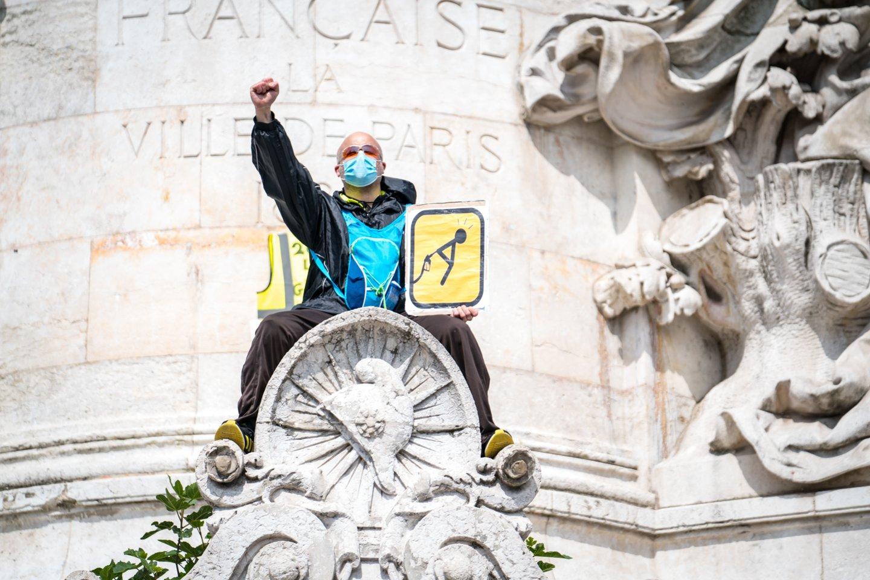 Organizatoriai pranešė, kad Paryžiuje marše dalyvavo 70 tūkst. žmonių, o visoje šalyje jų skaičius siekė 150 tūkstančių.<br>SIPA/Scanpix nuotr.