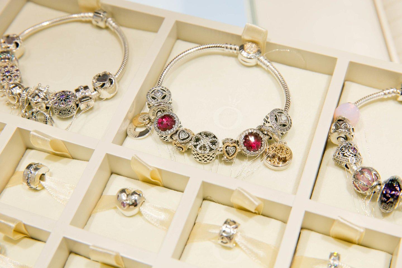 VMI šiuo metu savo žinioje turi 1,9 tūkst. vienetų juvelyrinių gaminių.<br>T.Bauro asociatyvi nuotr.