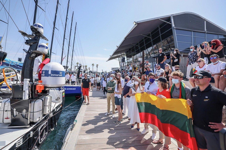 """Ambersail-2"" komanda startuoja finaliniame ""The Ocean Race Europe"" etape.<br>Sailing Energy nuotr."