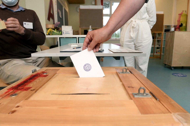 Suomijoje vietos rinkimus laimėjo konservatoriai, sustiprėjo ultradešiniųjų pozicijos.<br>AFP/Scanpix nuotr.