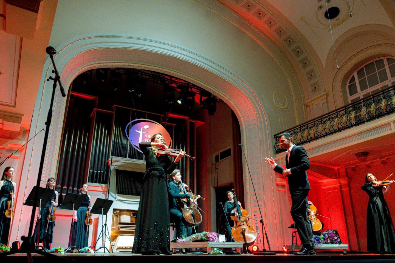 NIKO publiką žavi patraukliais ir originaliais pasirodymais.<br>D.Matvejevo nuotr.
